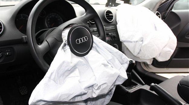 Jak dobrze rozpoznać samochód bezwypadkowy
